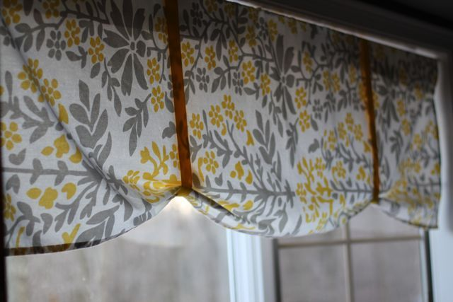 kitchen window ideas treatments wall paper borders for kitchens no sew valance from table cloth- super simple! could do ...