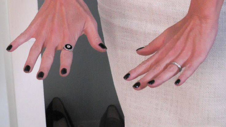 Many Of You Have Been Asking About Kelly Ripas Nail Color