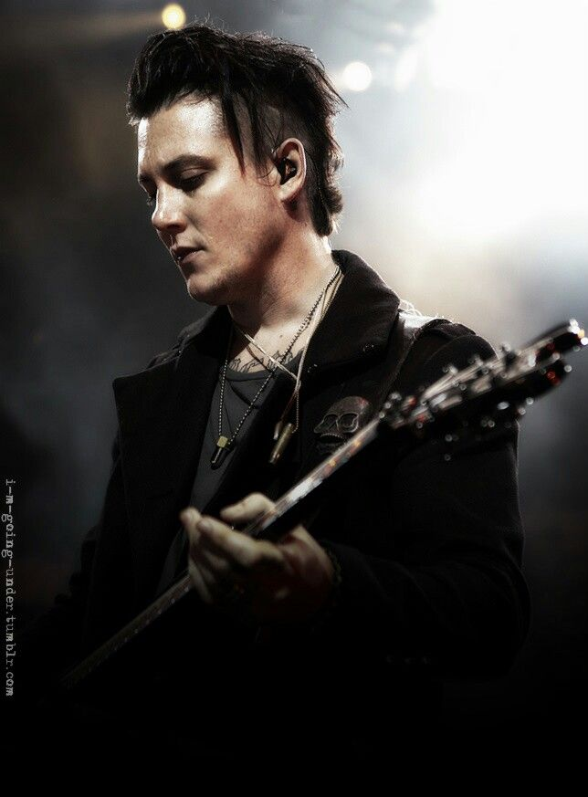 25 Best Ideas About Synyster Gates On Pinterest Avenged