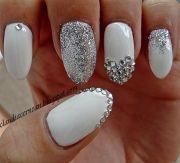strasses nails white with silver