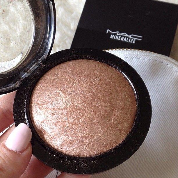 Highlight Cosmetics Makeup And Contouring Mac