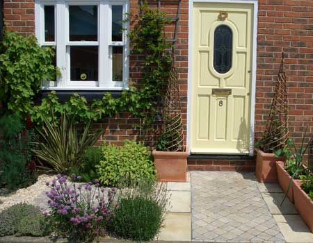 The 25 Best Ideas About Small Front Gardens On Pinterest Small