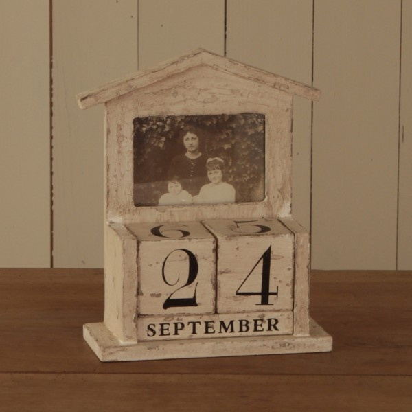 Shabby chic wooden block calender Changeable dates reuse