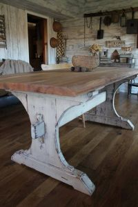 Oh I love that rustic, farmhouse table! I want me a large ...