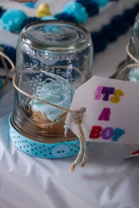 Mason jar baby shower favors! Super easy.! It's a mason ...