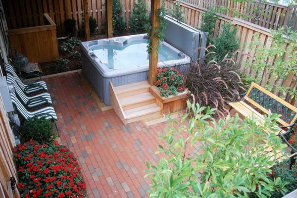 ideas small backyards townhouse