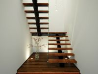 Xade - Single Spine Half Landing Stairs With Glass Hand ...