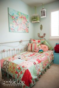 use king sized headboard with a twin mattress for a daybed ...