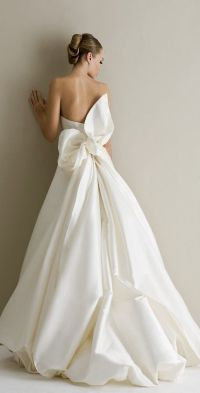 17 Best ideas about Bow Wedding Dresses on Pinterest ...