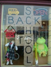 17 bsta bilder om Window Display Ideas p Pinterest