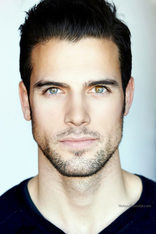 Lovely Heterocromia i dont know who is this man but