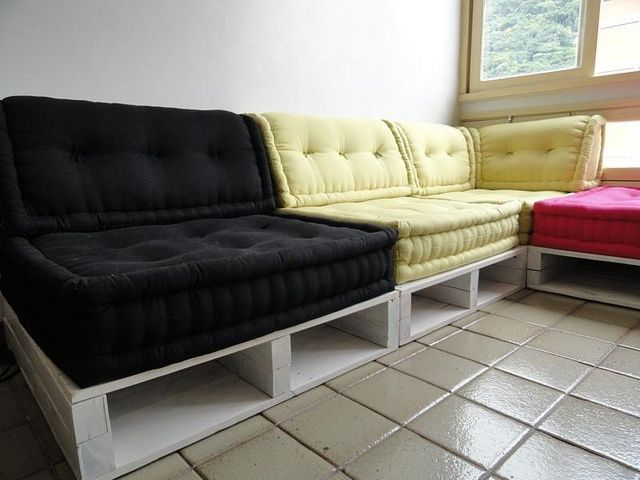 apt size sectional sofas havana sleeper sofa 17 best ideas about wood pallet couch on pinterest ...
