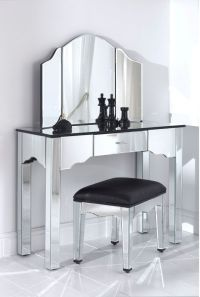 Best 25+ Black Vanity Table ideas on Pinterest | Makeup ...