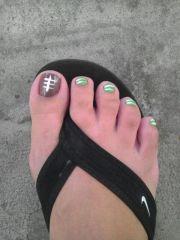 football toes orange