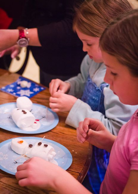 FROZEN Birthday Party – Do you want to build a snowman? :)