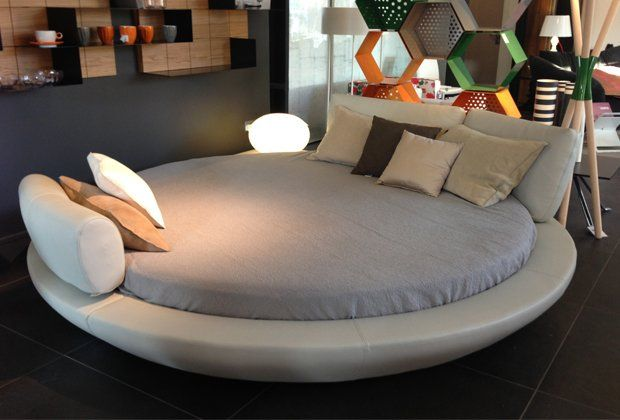 LA FALEGNAMI  TIME round bed in leather  IT Clerkenwell
