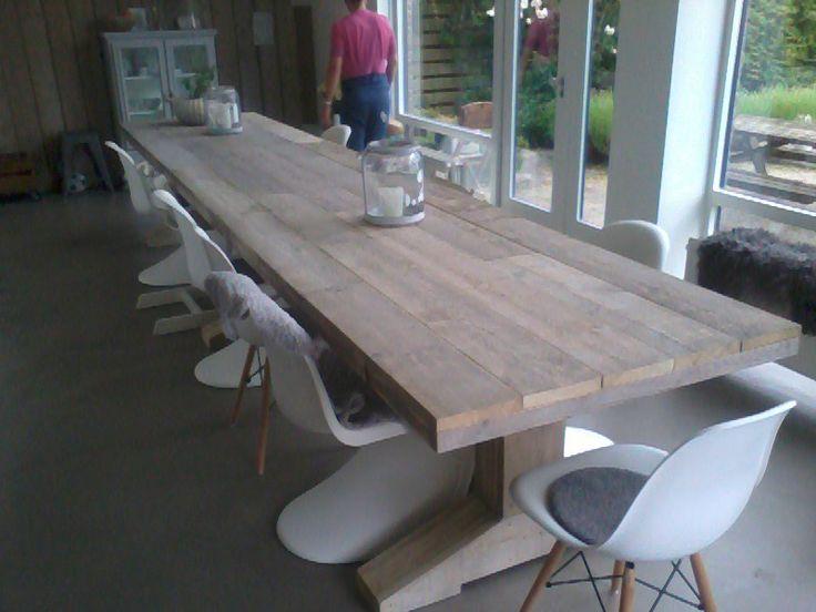 Design tafel van steigerhout De tafel is bijna 5 meter