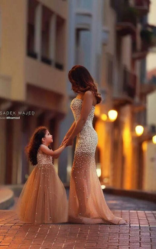 Matching dresses for mother and daughter! #MommyandMe #Fashion: