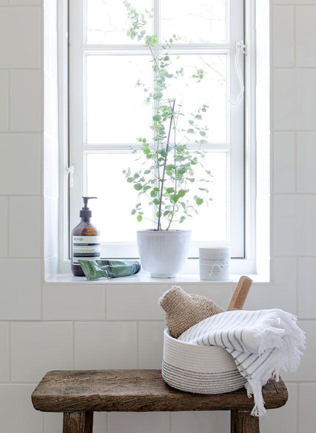 25+ Best Ideas about Window Sill Decor on Pinterest