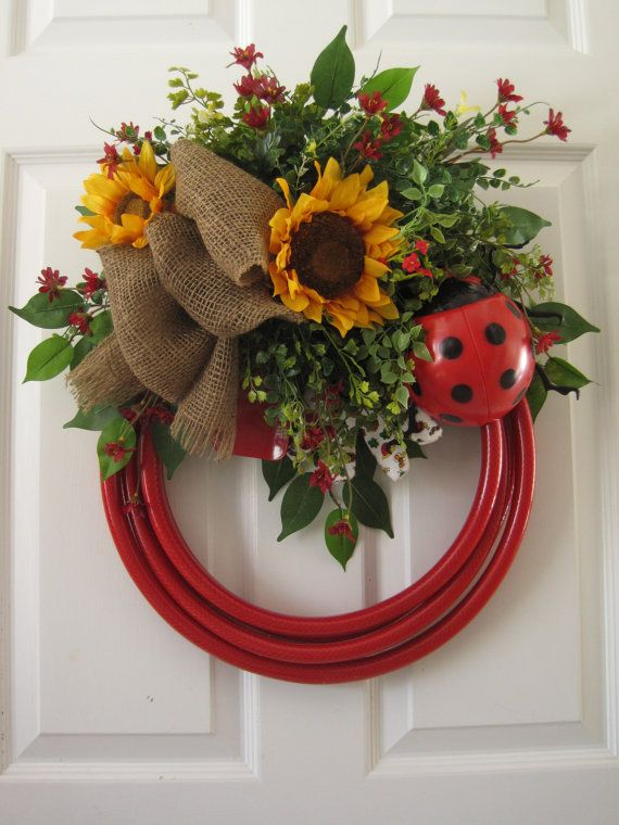 17 Best ideas about Garden Hose Wreath on Pinterest