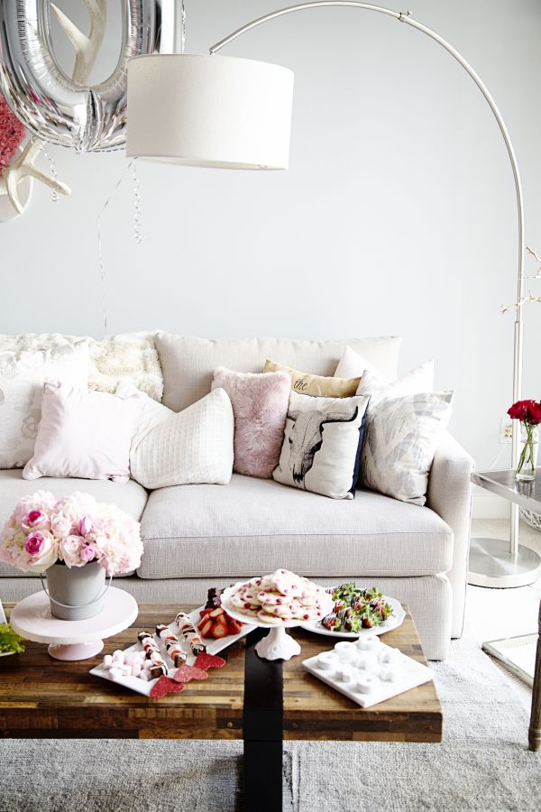 17 Best ideas about Cute Living Room on Pinterest  Cute apartment decor Black living rooms and