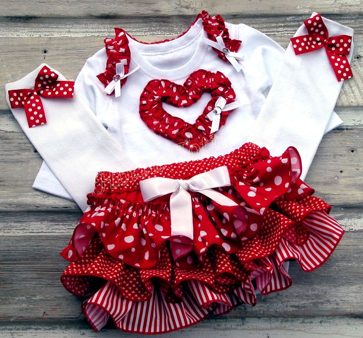 Valentines Day Ruffle Bloomer SET Featured On BABY GIZMO
