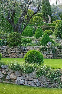 25 Best Ideas About Stone Wall Gardens On Pinterest Nichols And