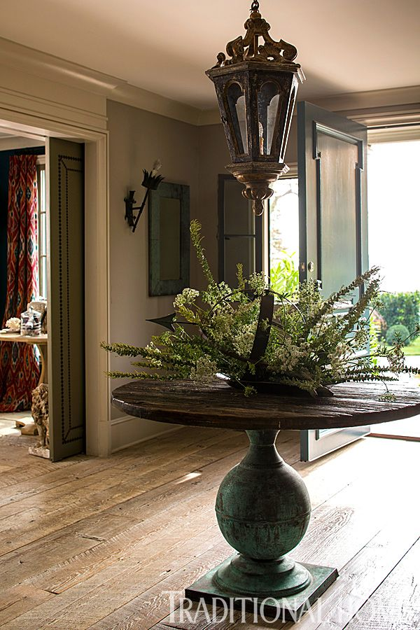 25 best ideas about Round foyer table on Pinterest  Round entry table Small holiday home