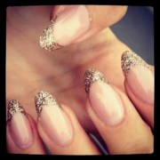 almond shape nails withglitter tip