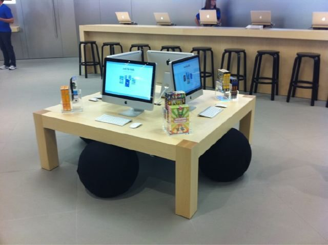 Fetzer maple Apple store display table