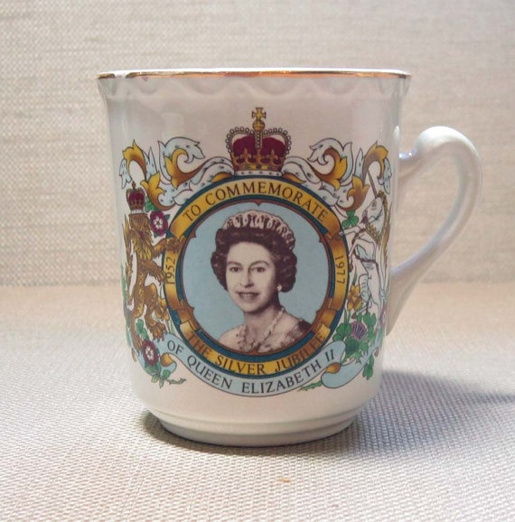Queen Elizabeth tea cup  Teapots  China  Pinterest  Tea cups Queen and Elizabeth ii