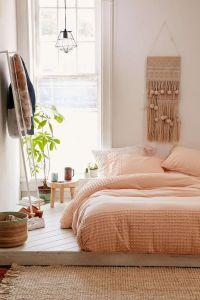 25+ Best Ideas about Peach Bedroom on Pinterest | Peach ...