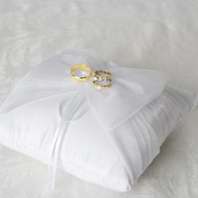 1000 images about How to make a ring bearer pillow on