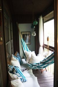 25+ Best Ideas about Apartment Patio Decorating on ...