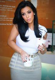 kim kardashian eyebrows & eyelashes