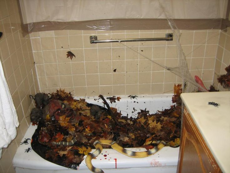207 best images about Halloween: Bathroom Decor on
