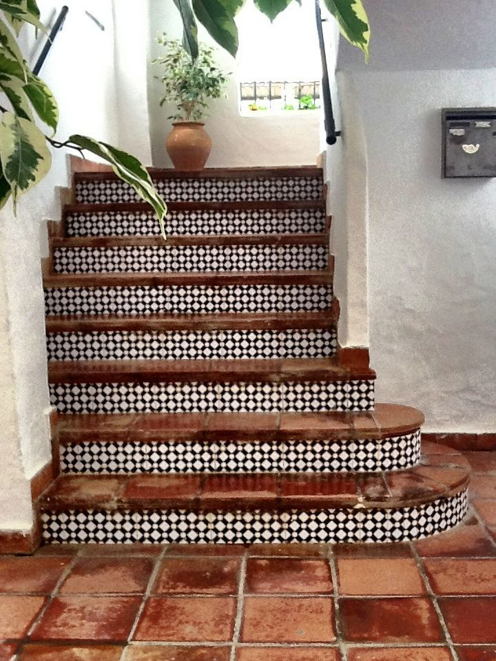 25+ best ideas about Tiled Staircase on Pinterest