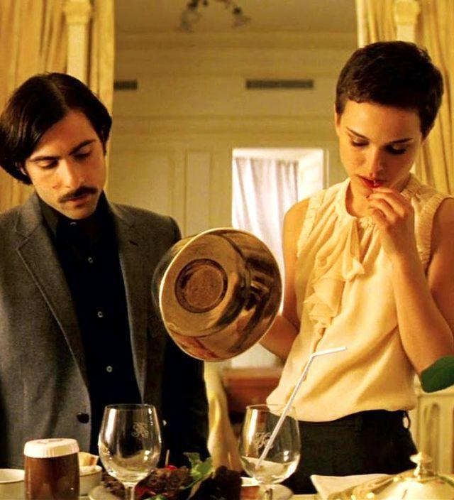Jason Schwartzman Natalie Portman In Hotel Chevalier