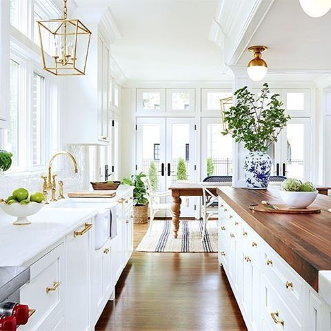 25+ best ideas about Traditional White Kitchens on