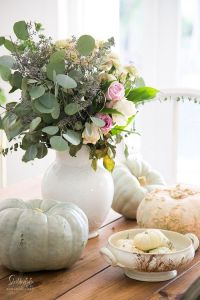 25+ best ideas about Harvest table decorations on ...