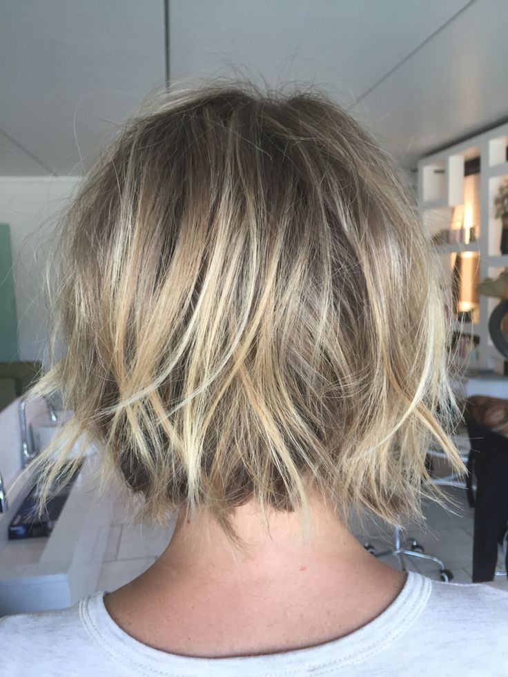 25 best ideas about Textured bob on Pinterest  Medium short hair Short textured haircuts and