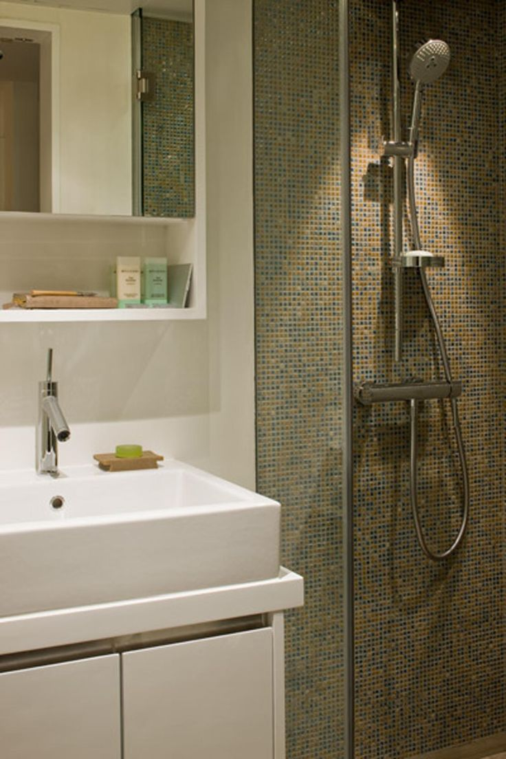 1000 ideas about Small Full Bathroom on Pinterest  Guest