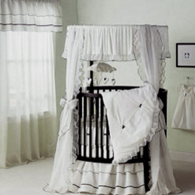 round baby crib