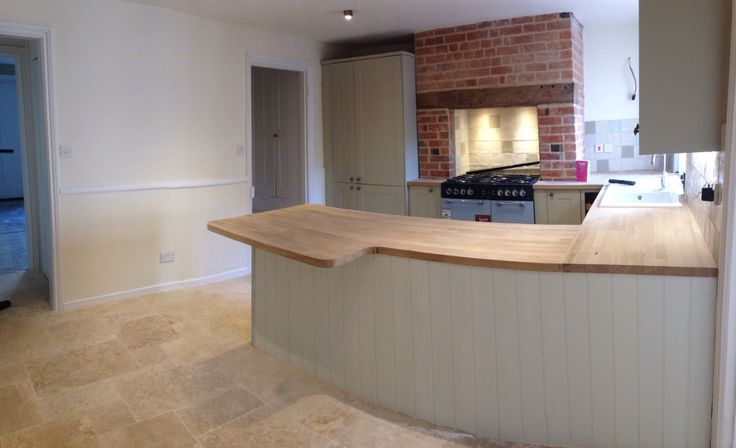 We Are Getting Close Now Burford Grey Howdens Kitchen With Solid Oak Worktops With