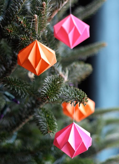Craft a tree full of floating diamonds with this beautiful and simple paper-folding project. For extra sparkle, add a quick shot