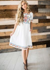 25+ best ideas about Embroidered Dresses on Pinterest ...