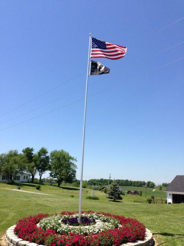 1000 flag pole landscaping