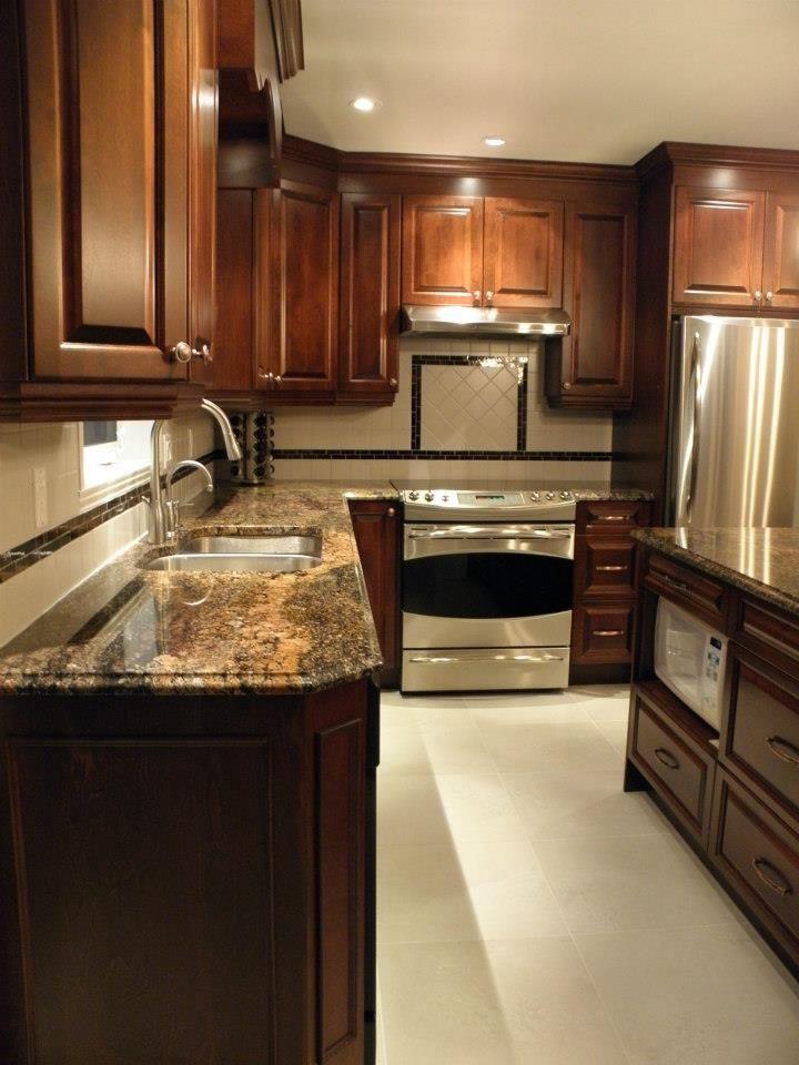 kitchen style ideas outdoor houston armoire de cuisine classique en bois avec comptoir ...
