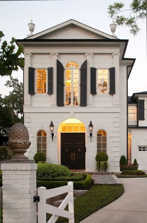 Southern Charm beautiful front. The second floor windows are my fave: