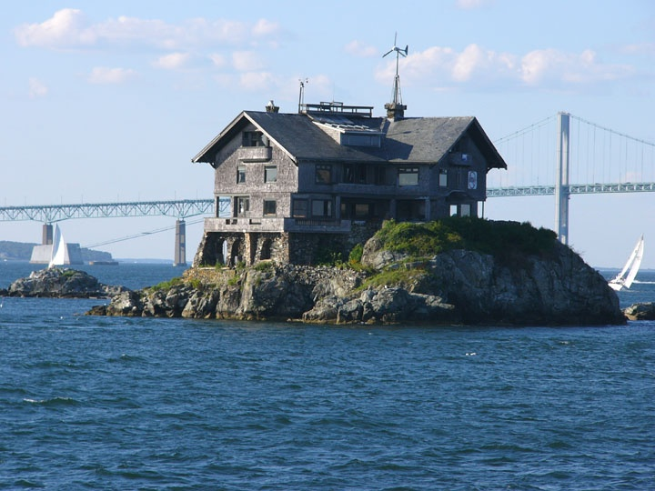 Clingstone House On A Rock Is A 107 Year Old Mansion